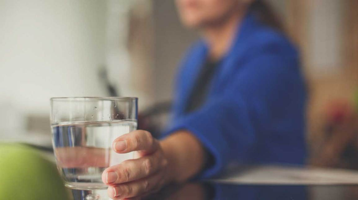Water Can Reduce UTI Risk… If You Drink 6 Glasses a Day
