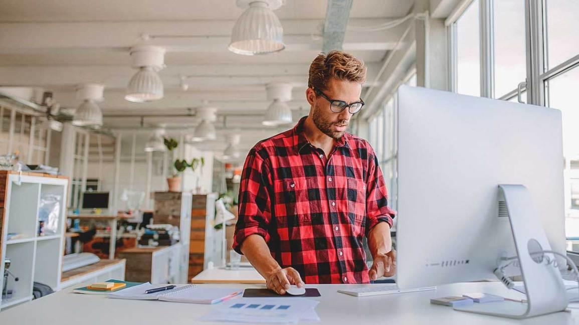 Standing Desks Health Benefits Debated