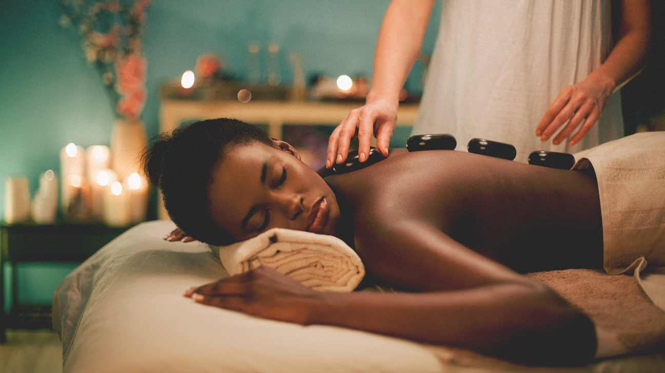 6 Benefits of Hot Stone Massage