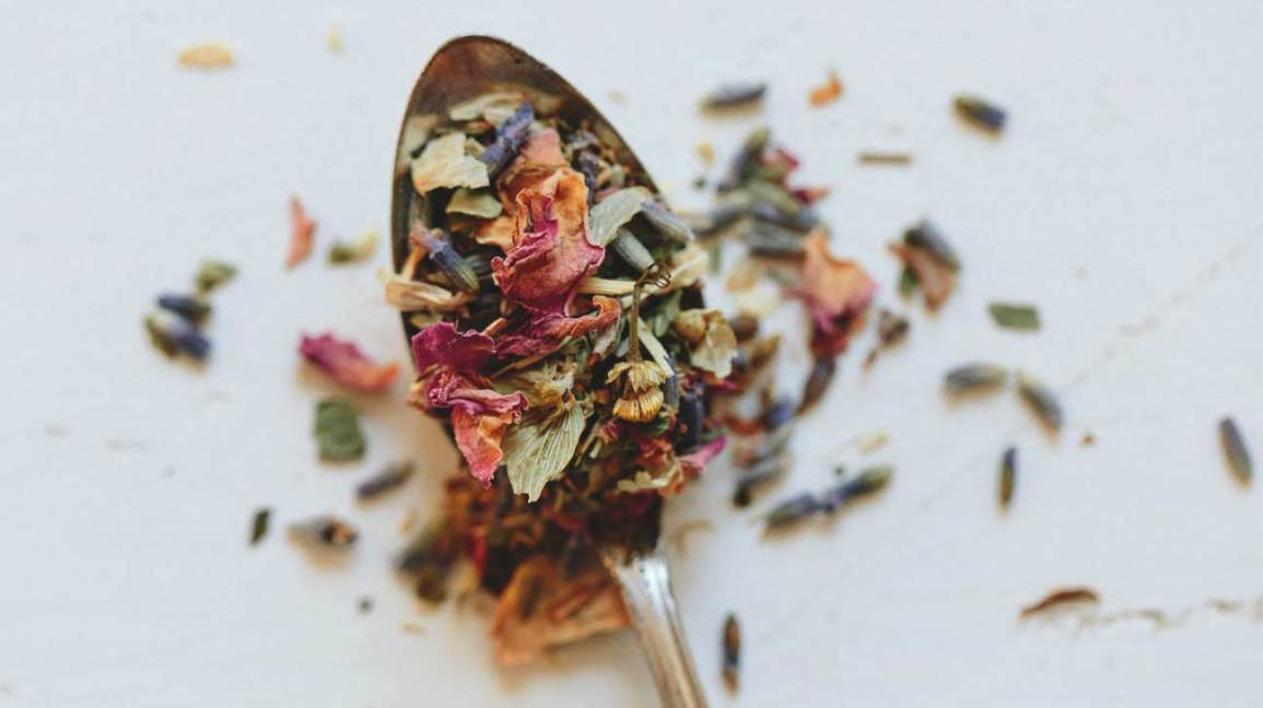 5 Calming Herbs and Spices to Fight Stress and Anxiety