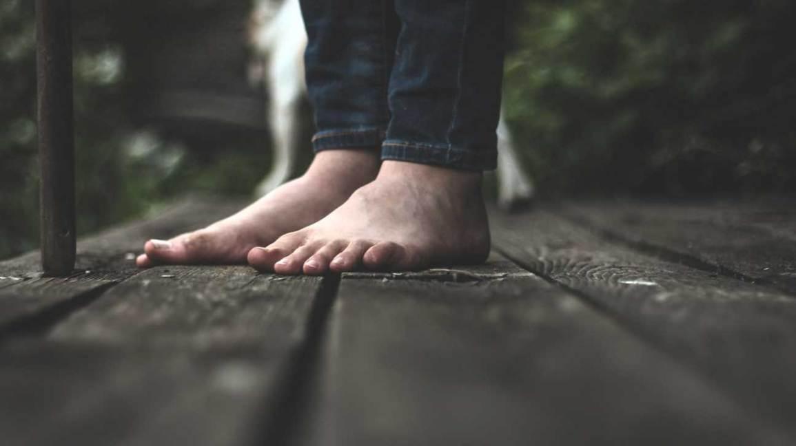 6de5617e36d Walking Barefoot  Benefits
