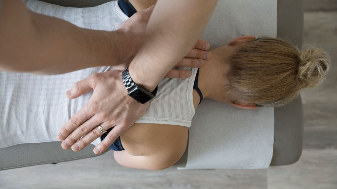 7 Things to Know About Rolfing If You Have Chronic Pain