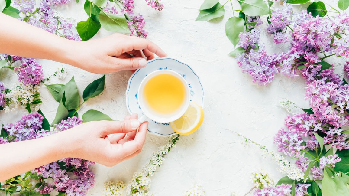 7 Everyday Tonics that Help Your Body Adjust to Stress and Anxiety
