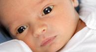 Los problemas con los ojos y los oídos en el bebé prematuro