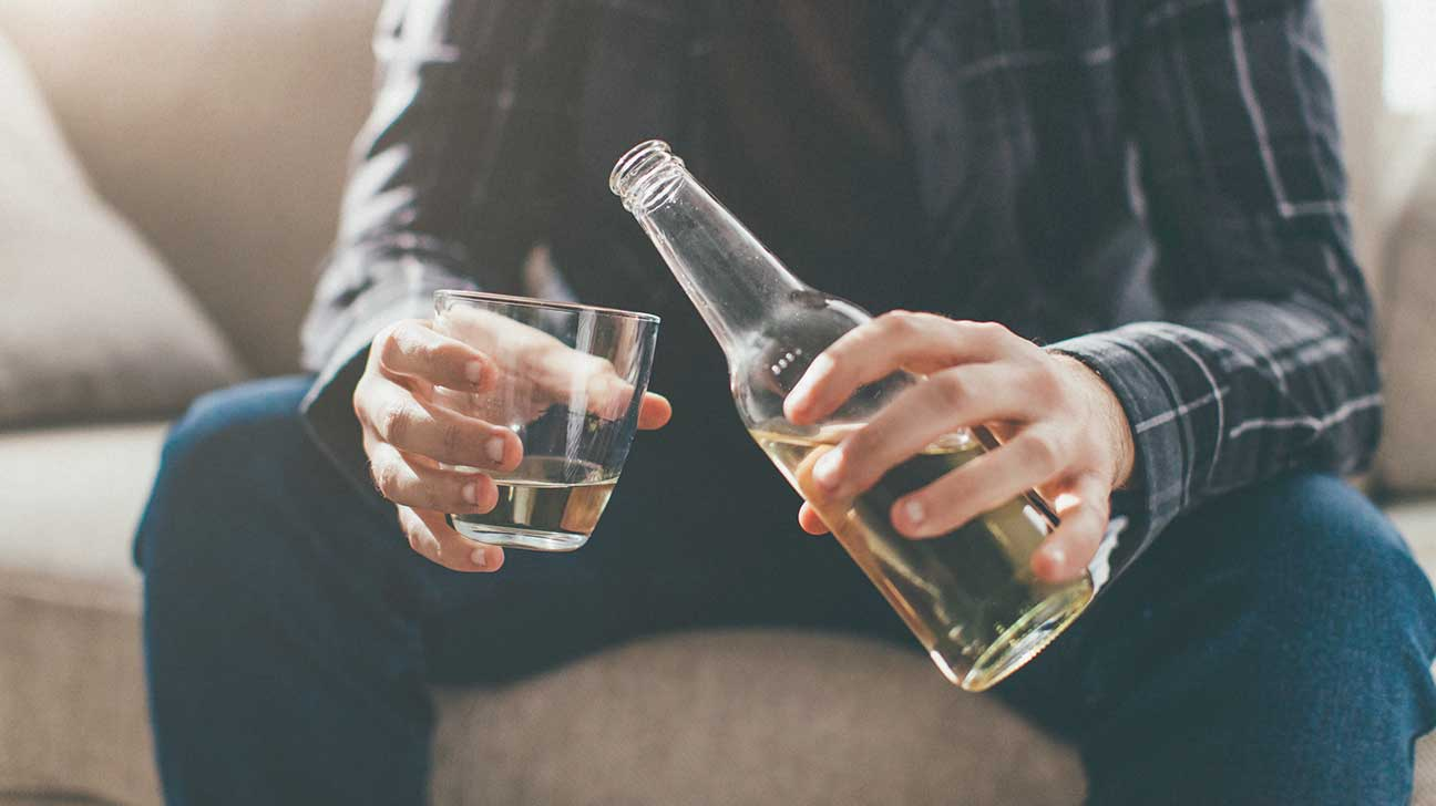 Is It Safe to Mix Statins and Alcohol?
