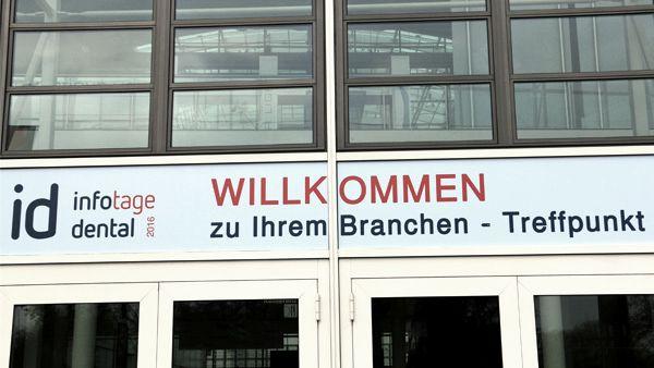 willkommen_schild-9fdf87763efd9fe6_B