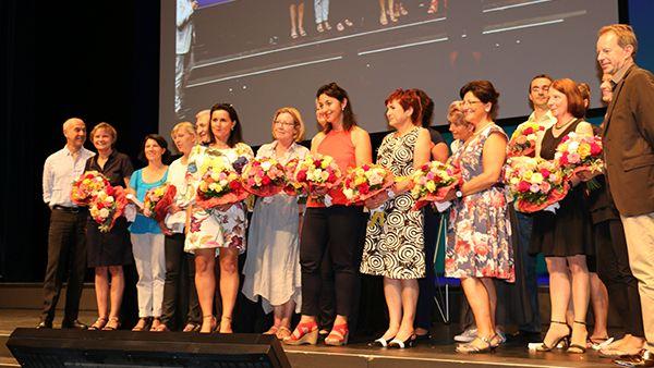 Verleihung des Deutschen Preises für Dentalhygiene an die Praxen der Multicenter-Studie zur Prävention periimplantärer Erkrankungen.