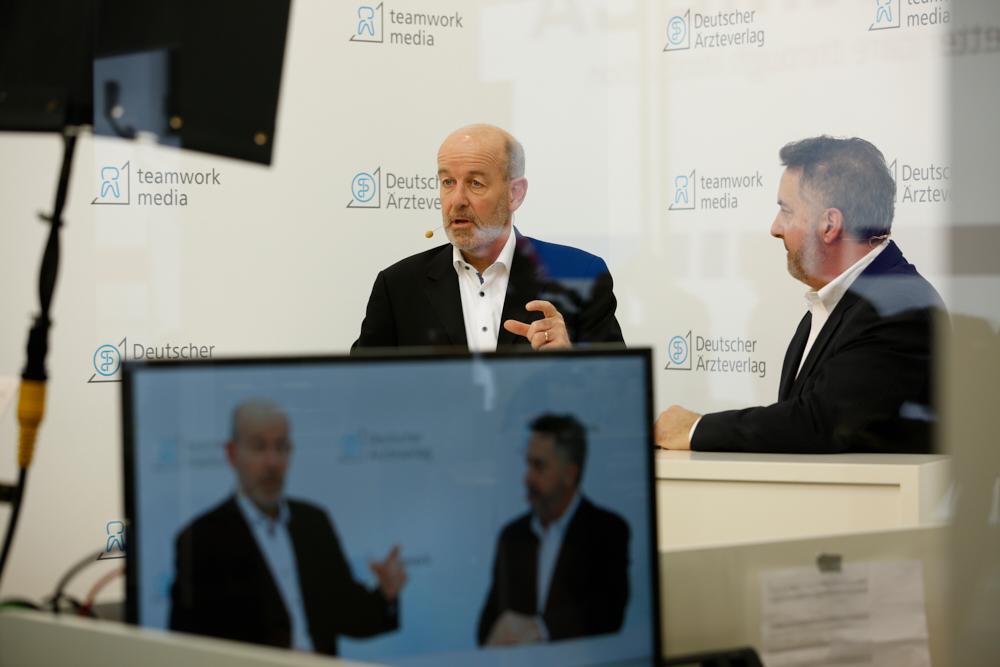 Nils Classen, Director of Marketing, Dentsply Sirona Inc. (l.) und Thomas G. Leonardi, Group Vice President, Dentsply Sirona Consumables Dental Product Group © Galias