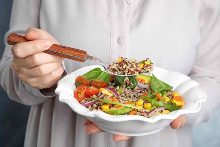 Insalata con quinoa e verdura