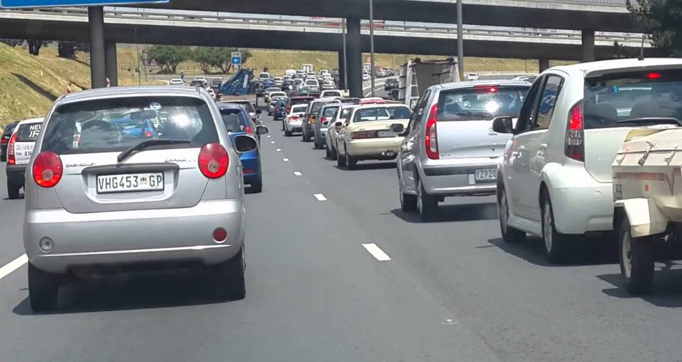 Cape Town Mother Delivers a Healthy Baby on N2 Highway With the Help of a Traffic Officer