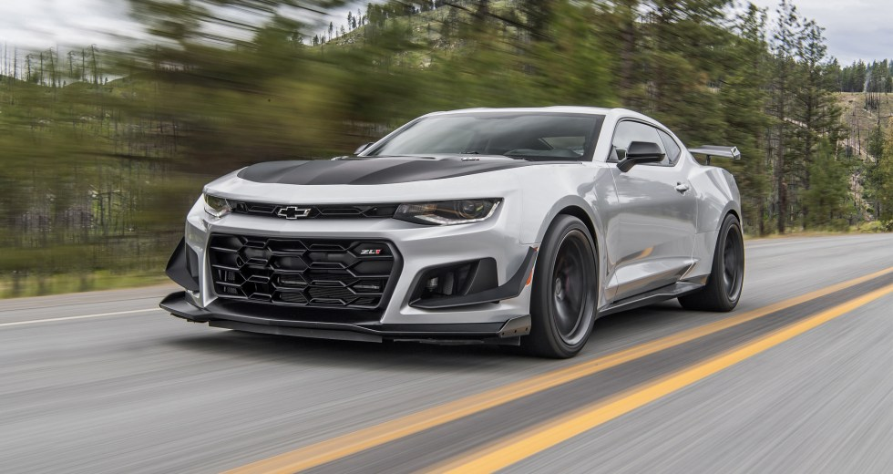 Is the 2018 Chevrolet Camaro SS 1LE better than the 2018 ...
