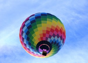 Hot Air Balloon Crash Near Luxor Kills One Tourist, Injures Several Others