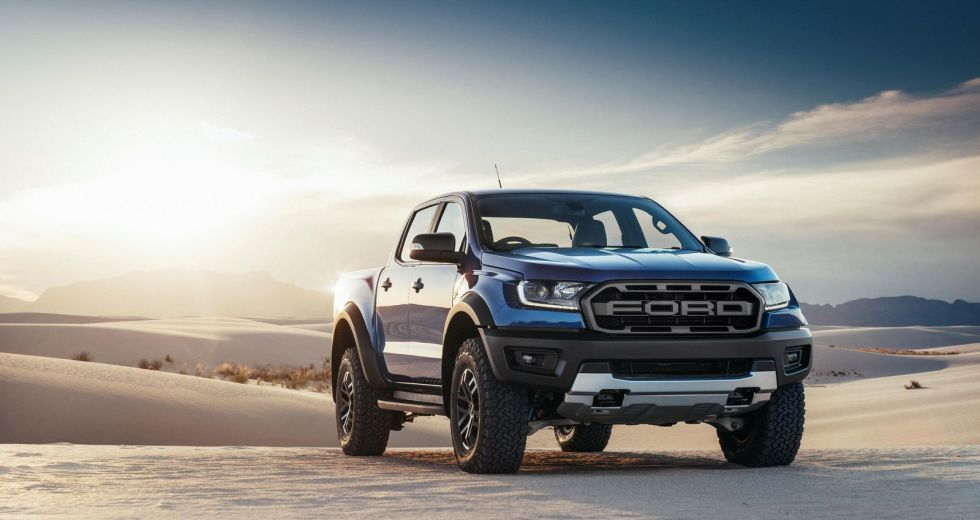2019 Ford Raptor Ranger vs. Colorado ZR2 – Electronics and Price Comparison