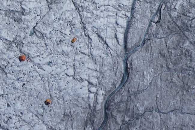 The Mystery around Greenland's Dark Zone has been Revealed