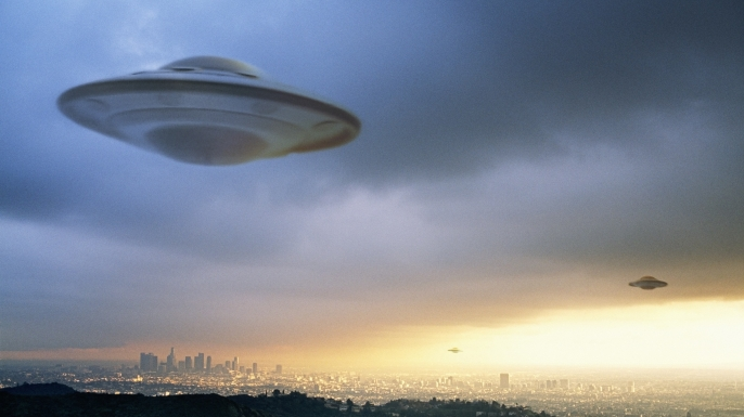 Ex-NASA Scientist Warns That UFO Sightings Are Indeed Alien Crafts