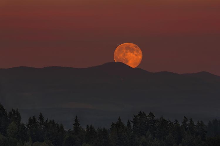 September 2018 Harvest Moon Visible Period