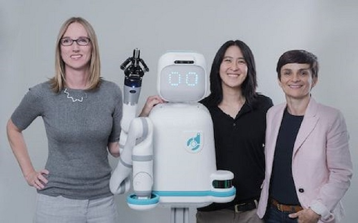 Socially-Intelligent Robot To Help Stressed Nurses in Hospitals