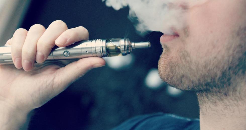 Electronic Cigarettes Damage The Heart, A New Study Showed
