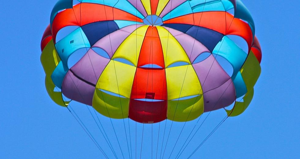 Recent Study Shows that Parachutes Don't Actually Work Without a Catch