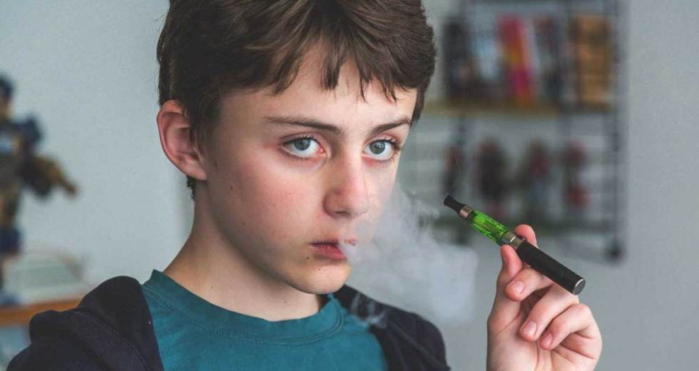 Teen Vaping Is An Epidemic – E-Cigarettes Increase Risks Of Respiratory Diseases