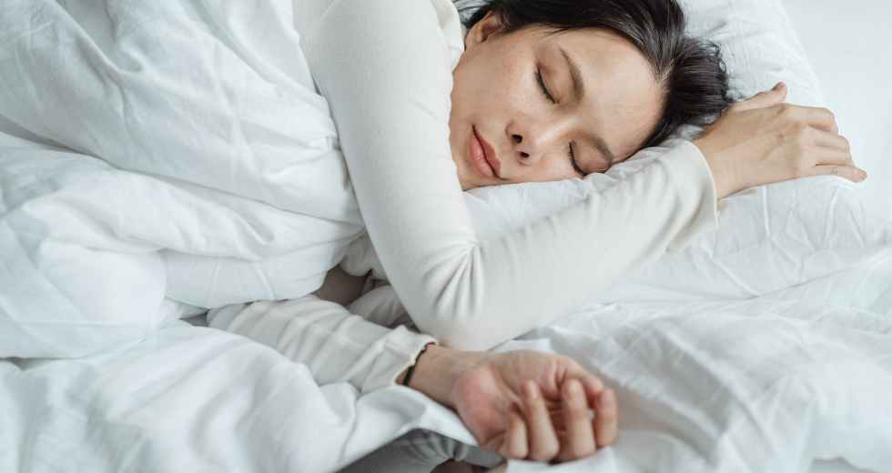 Science-Backed Bad Sleep Habits That You Should Finally Lay To Rest