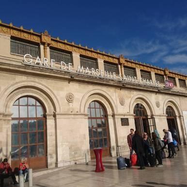 Et je suis donc à Marseille ! Je suis descendue pour le TEDxMarseille sur le thème des nouveaux explorateurs et bien sûr pour découvrir la ville en courant. Et figurez vous que je viens d'apprendre que demain aura lieu la mythique Marseille-Cassis !! Bon rassurez vous c'est une simple coïncidence, je ne cours pas 20km demain mais bonne chance aux participants ! #marseille #TEDxMarseille #southoffrance #France #travel #explore #goforth #running #marseillecassis
