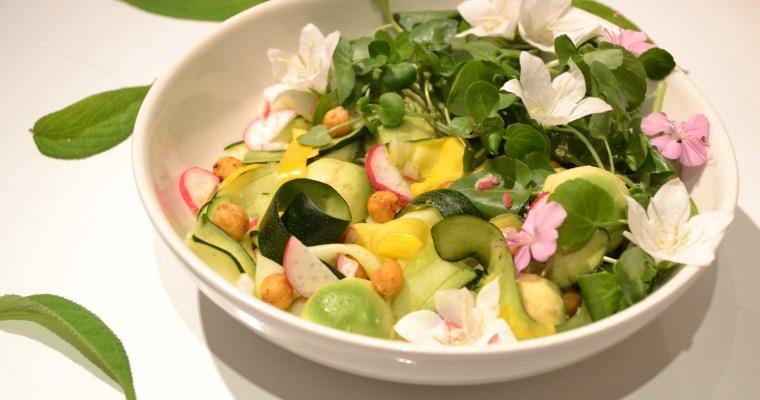 Salade de courgettes marinées et pois chiches grillés