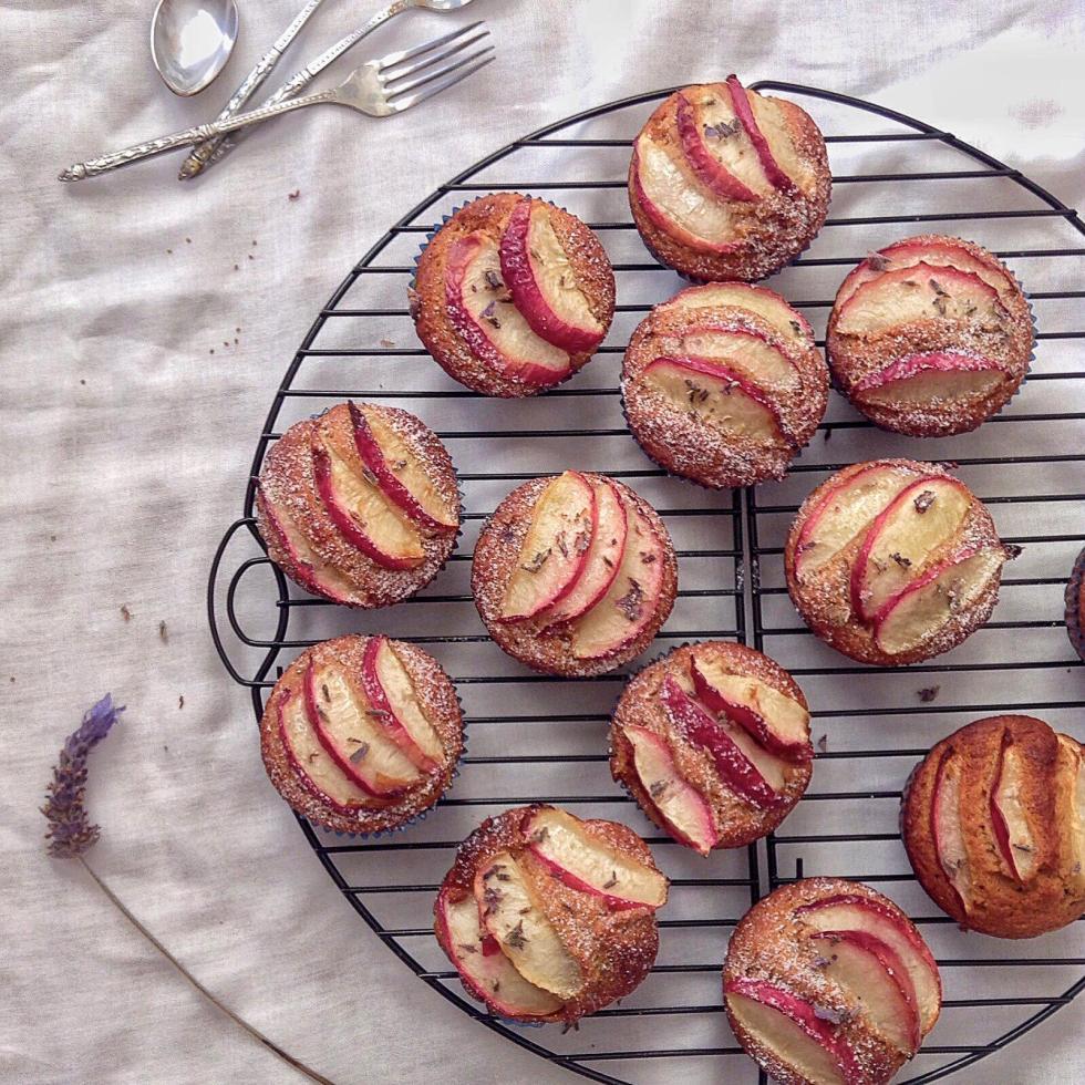 pastelitos de nectarina y almendra