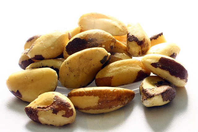 Brazil nuts are apron 0.60mg per half cup