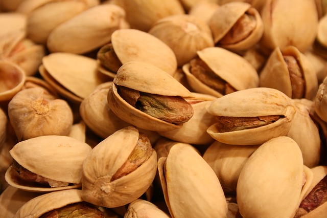 pistachios contain 0.31mg per ounce