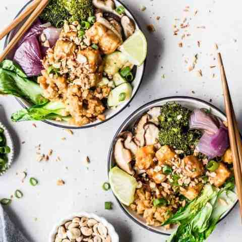 Sriracha Peanut Cauliflower Rice Bowls with Caramelized Veggies