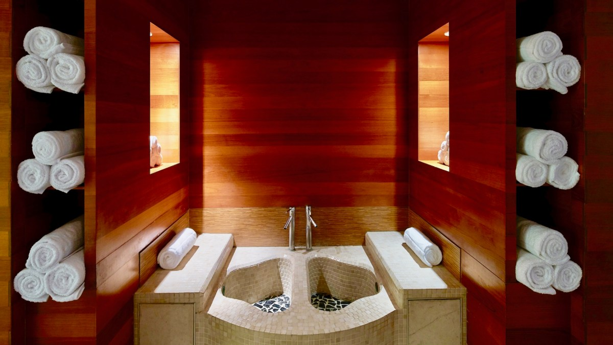 Thermal Foot Bath, Carillon Miami Wellness Resort, Healthy Living + Travel