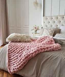 Pink Chunky Blanket www.healthylivingmom.com