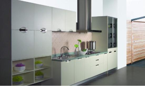 build kitchen cabinets wall mounted 利澳橱柜 十余年厨柜生产 营销和出口经验与著名的经销商 地产商建立合 利澳于1996年在广州创立 是中国大陆最早的专业橱柜生产厂家 最初 由意大利 澳大利亚和中国大陆三方股东合作发起 业务目标是对欧洲 澳洲和北美高端市场出口 1998