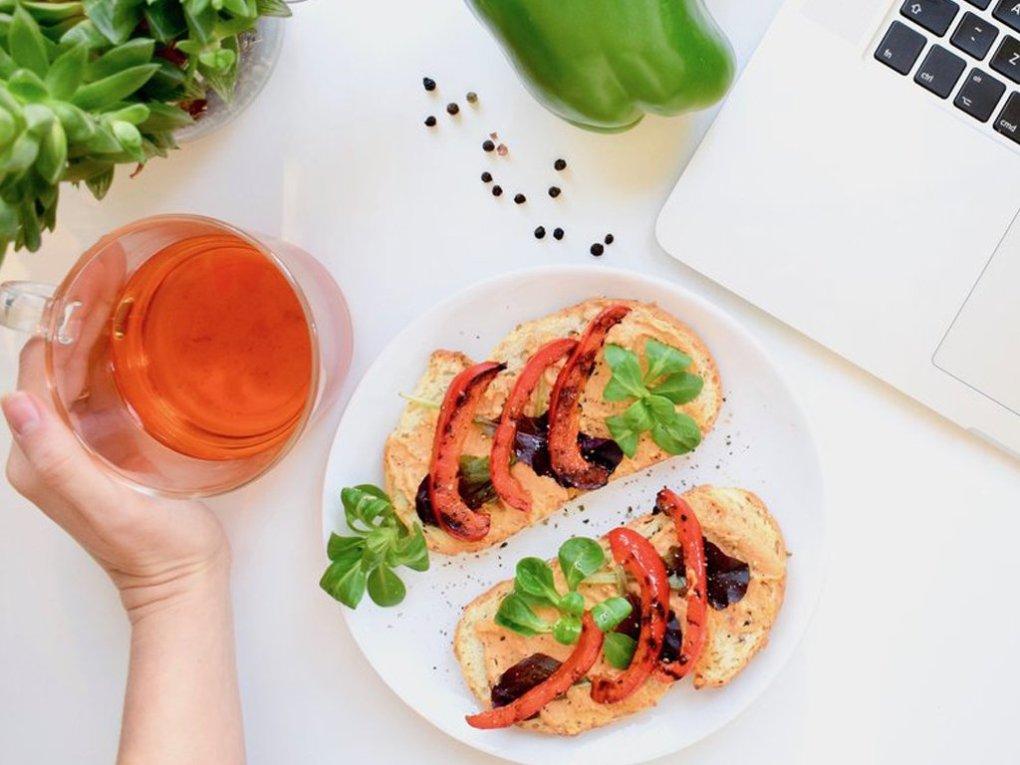 Broodje met hummus en gegrilde groente | Gezonde lunch