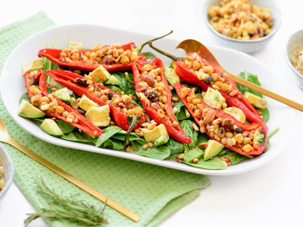 Gevulde paprika salade | Vegetarisch recept | Healthy Wanderlust