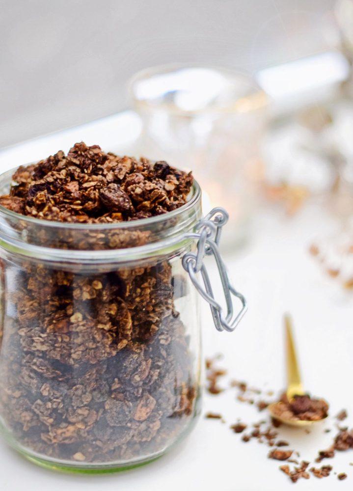 Chocolade granola | Recepten voor kinderen | Healthy Wanderlust