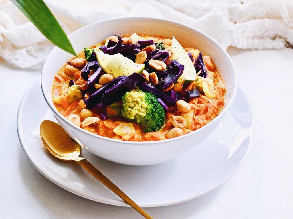 Curry noodle soep | Makkelijk recept | Healthy Wanderlust