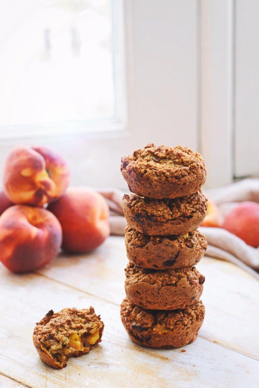 Perzik muffins | Gezonde muffins recept | Healthy Wanderlust