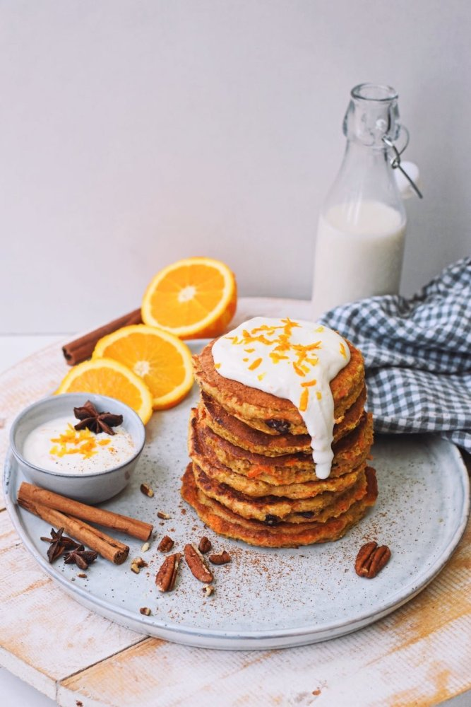 Recept voor pasen: gezonde Carrot Cake pannenkoekjes   Paasontbijt