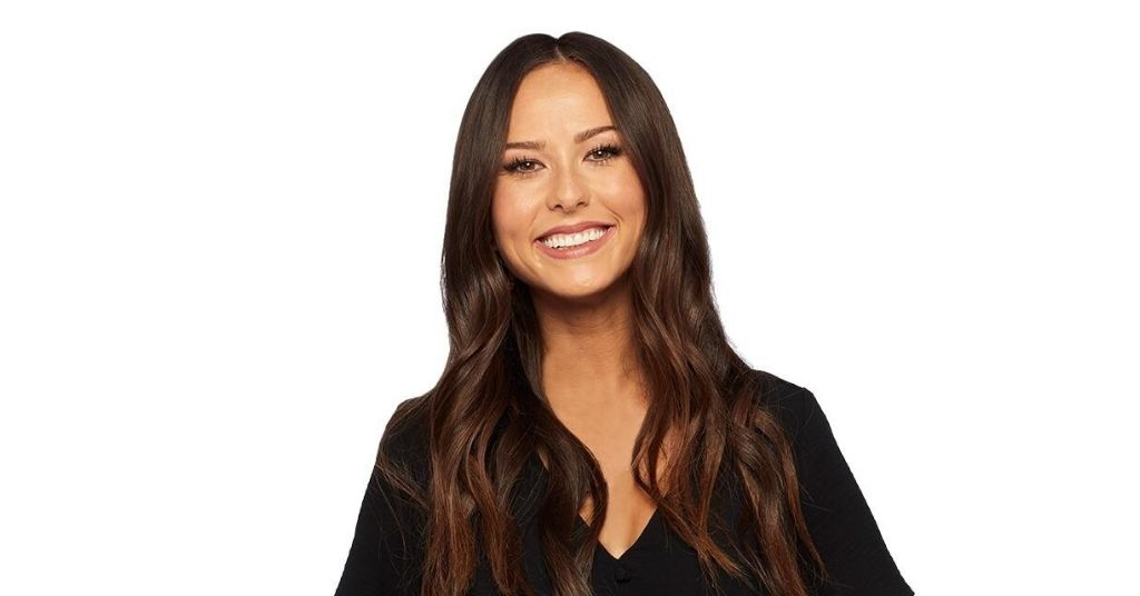 Abigail Heringer first deaf contestant on The Bachelor