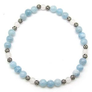 Aquamarine and snow quartz 6mm bead bracelet.