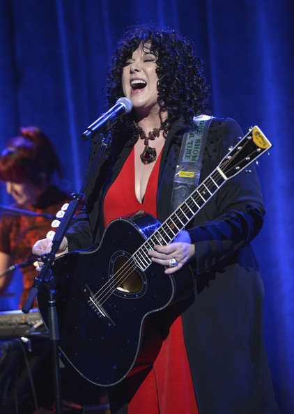 Ann Wilson performs