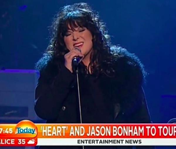 Screenshot from Australian TV. Thank you Scooty! :)