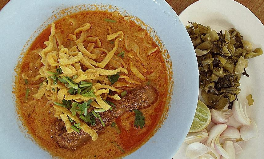 best khao soi chiang mai thailand