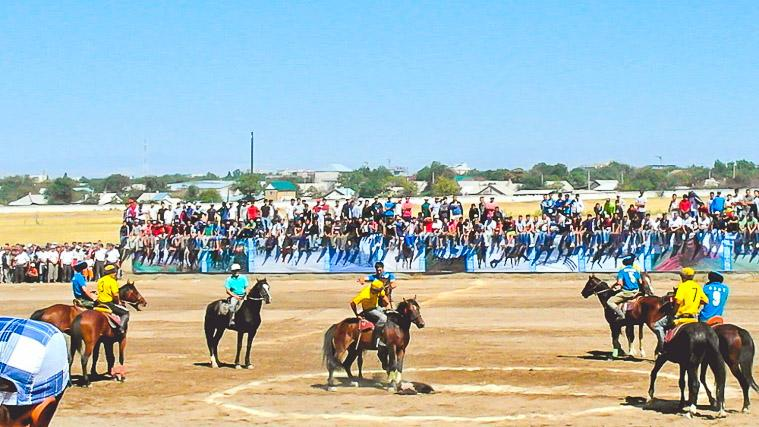 buzkashi-game-on-independence-day-2013
