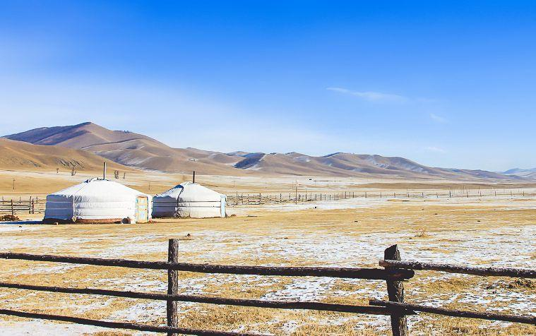 visiting mongolia in winter