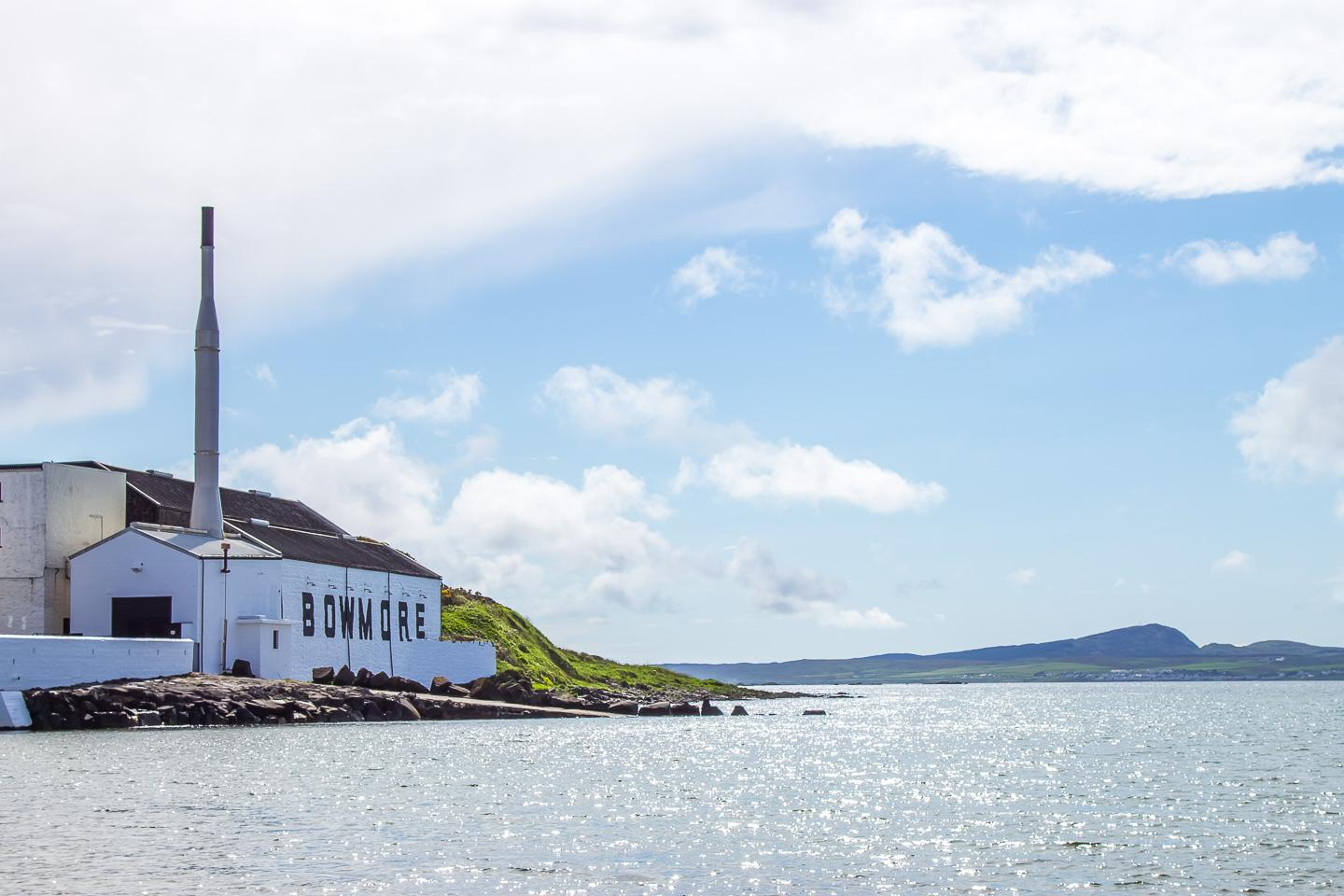 bowmore distillery islay scotland