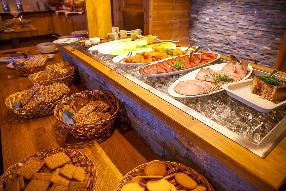 Gaustablikk Hotel breakfast buffet