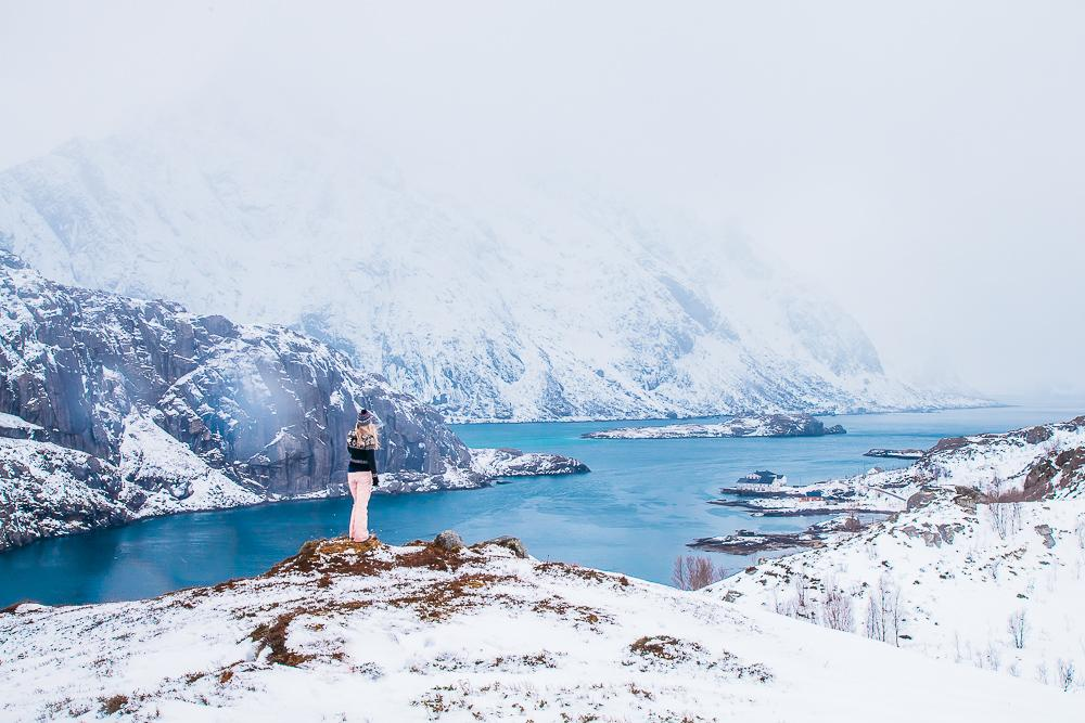 hiking lofoten norway winter